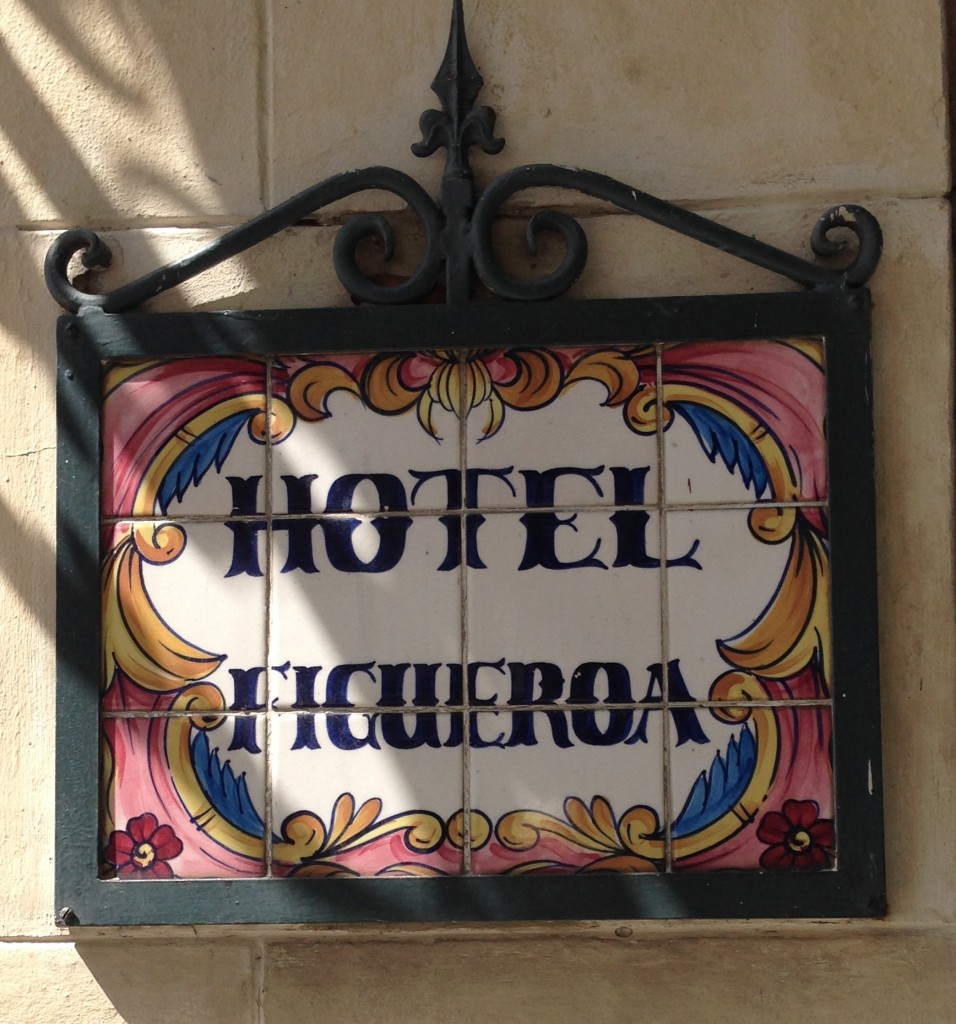 hotel figueroa sign