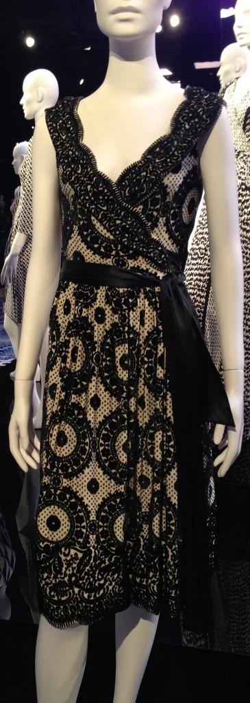 DVF wrapdress lace