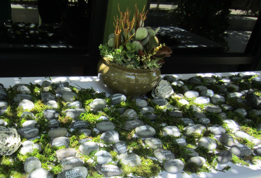 Place setting cards, rocks